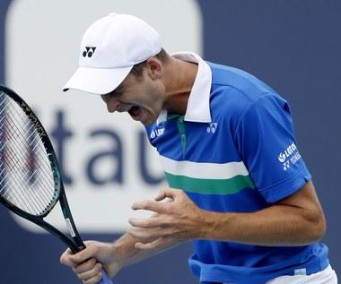 ATP w Miami. Hubert Hurkacz - Jannik Sinner 7:6 (4), 6:4
