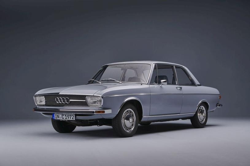 Audi 100 /