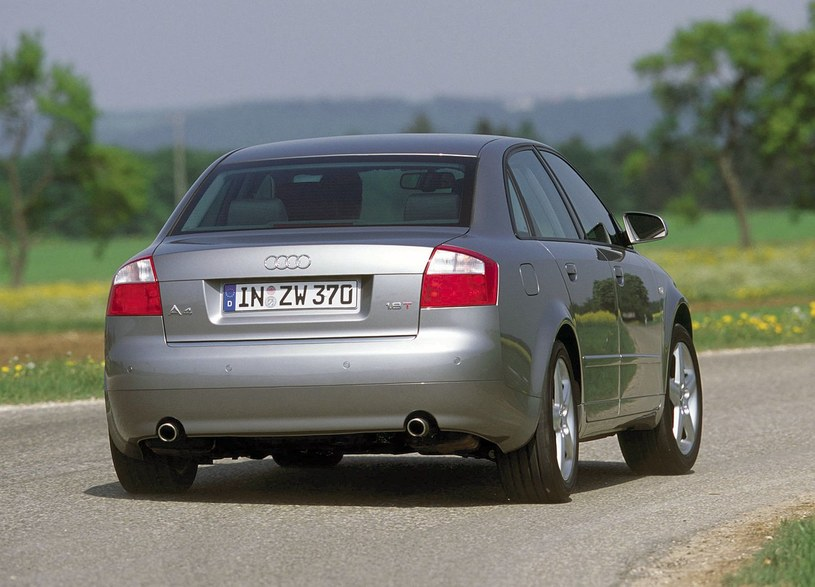 Audi A4 /