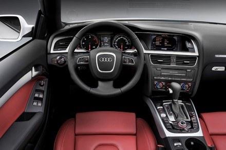 Audi A5 cabriolet /