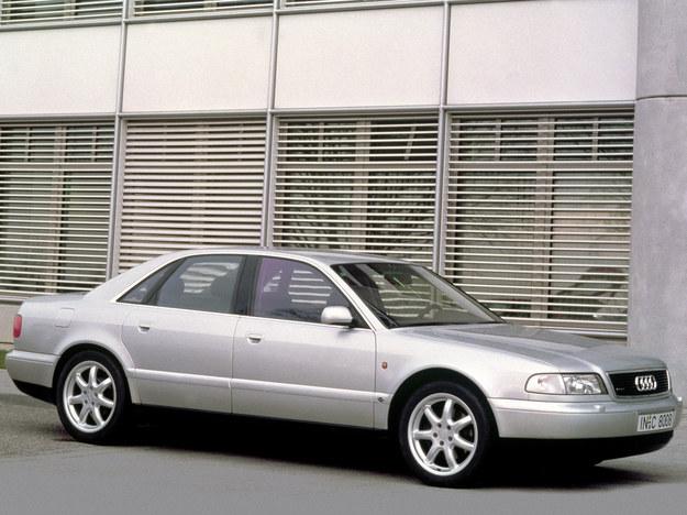 Audi A8 D2 (1994-2002) /Audi