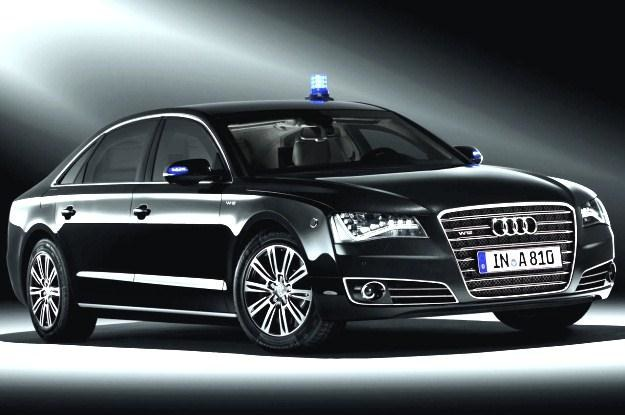 Audi A8 security jeździ Donald Tusk /