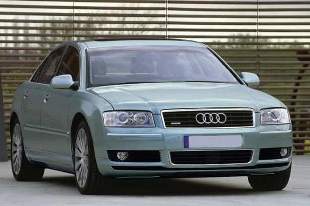 Audi A8 /