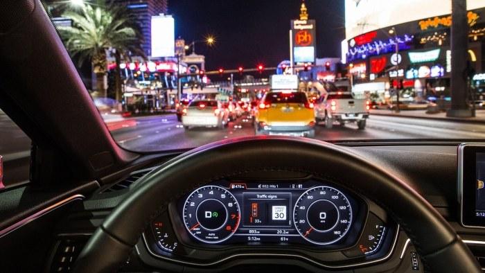 Audi car-to-X /INTERIA.PL/informacje prasowe
