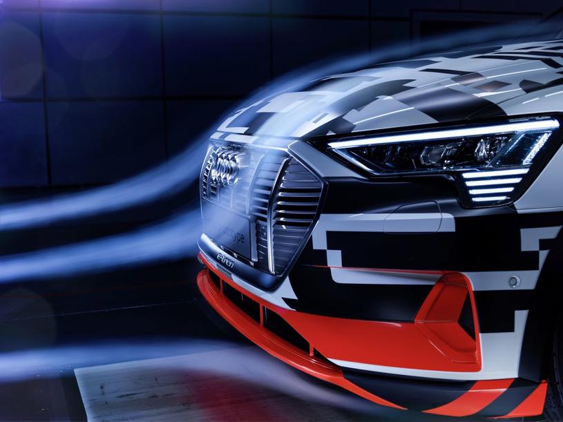 Audi e-tron w tunelu aerodynamicznym /