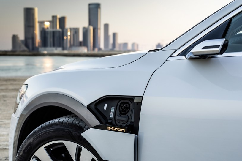 Audi e-tron /materiały prasowe