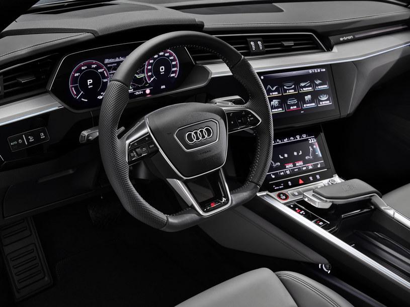 Audi e-tron /