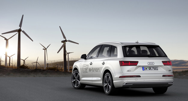Audi Q7 e-tron quattro /Audi