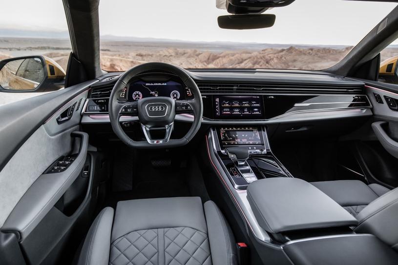 Audi Q8 /