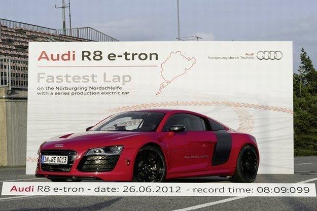 Audi R8 e-tron na Nurburgringu /