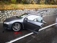 0007OUH7XBRW8HO3-C307 Audi R8 rozpadło się na pół w wyniku kolizji