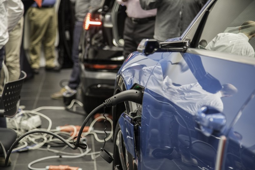 Audi stale rozwija nowe systemy ładowania /materiały prasowe
