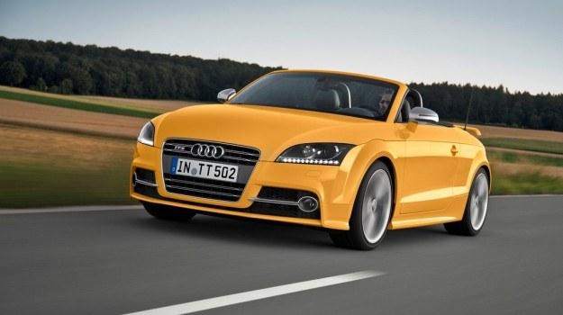 Audi TTS Roadster competition oferowane jest z dachem w kolorze czarnym lub szarym. /Motor