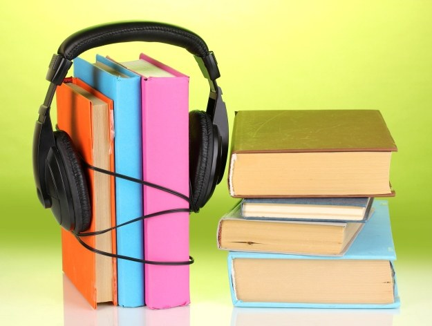 Audiobooki stają się coraz popularniejsze w Polsce /123RF/PICSEL