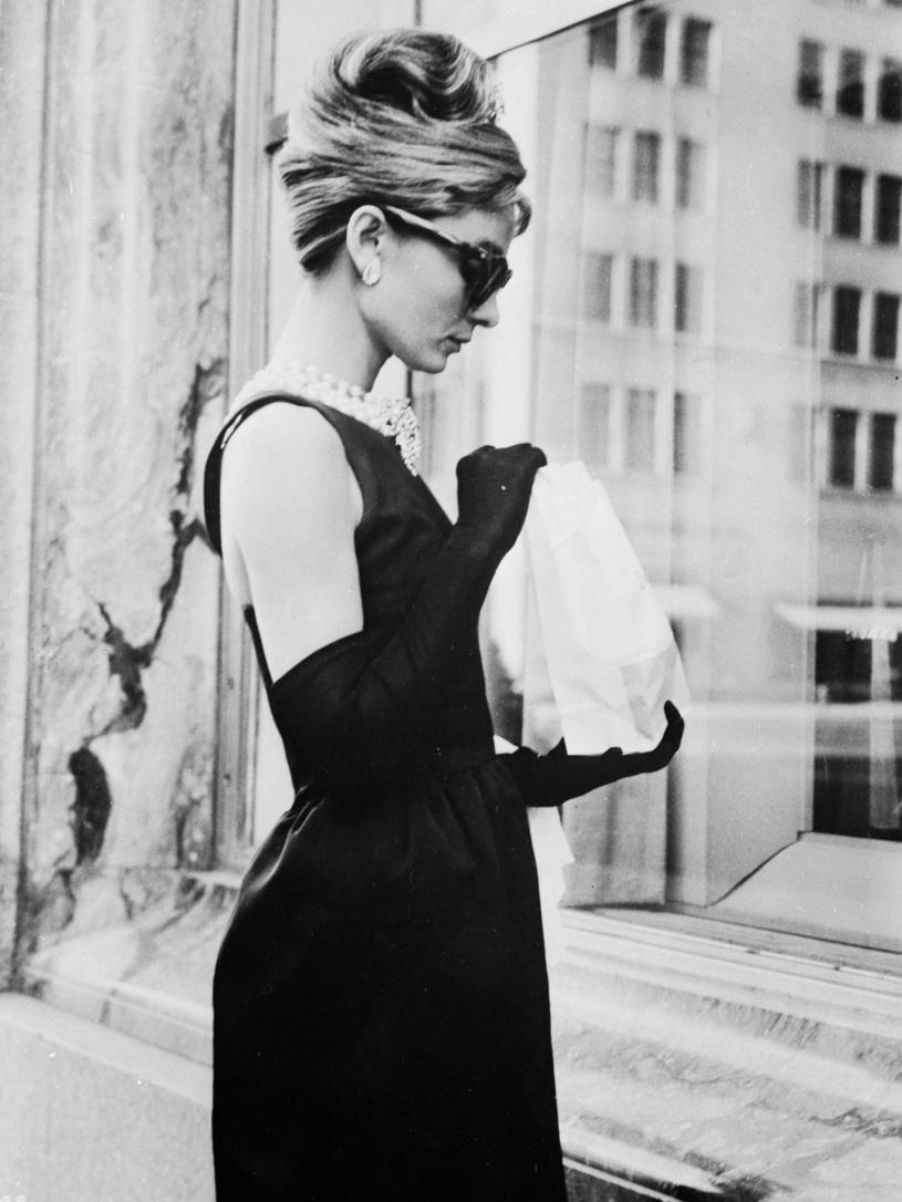 """Audrey Hepburn w filmie """"Śniadanie u Tiffany'ego"""" /Keystone Features /Getty Images"""