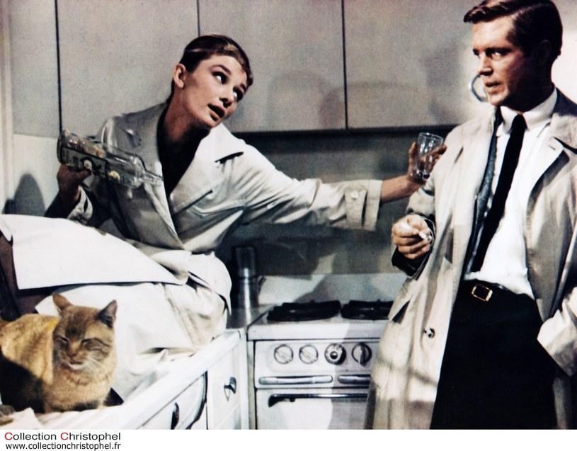 Audrey Hepburn wylansowała modę na trencz /East News