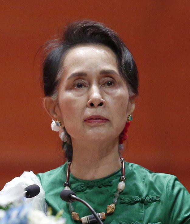 Aung San Suu Kyi postawiono formalne zarzuty dotyczące korupcji /HEIN HTET /PAP/EPA