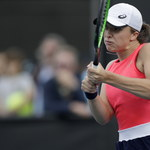 Australian Open. Iga Świątek - Carla Suarez Navarro 6:3, 7:5 w drugiej rundzie