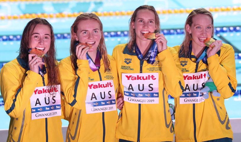 Australijki ze złotymi medalami /PAP/EPA