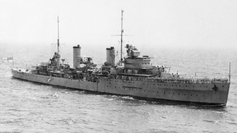 """Australijski krążownik HMAS """"Sydney"""" w 1940 roku /domena publiczna"""