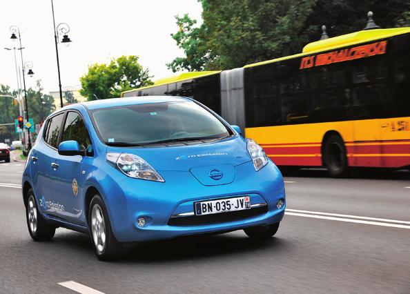 AUTA ELEKTRYCZNE mogą legalnie korzystać z buspasów, o ile nie mają dodatkowego silnika spalinowego. /Motor