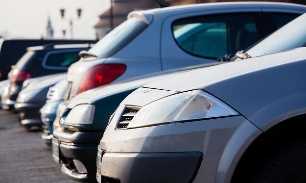 Auta używane: Polacy stawiają na silniki benzynowe /©123RF/PICSEL