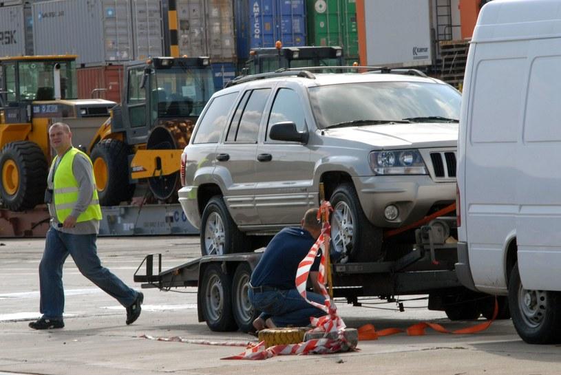 Auta z USA obłożone są cłem w wysokości 10 proc. /Stefan Kraszewski    /East News
