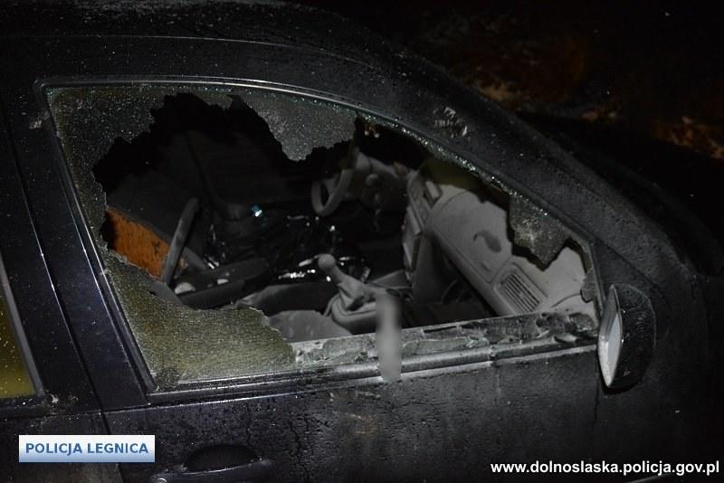 Auto, którym uciekał 34-latek, zostało spalone /Policja
