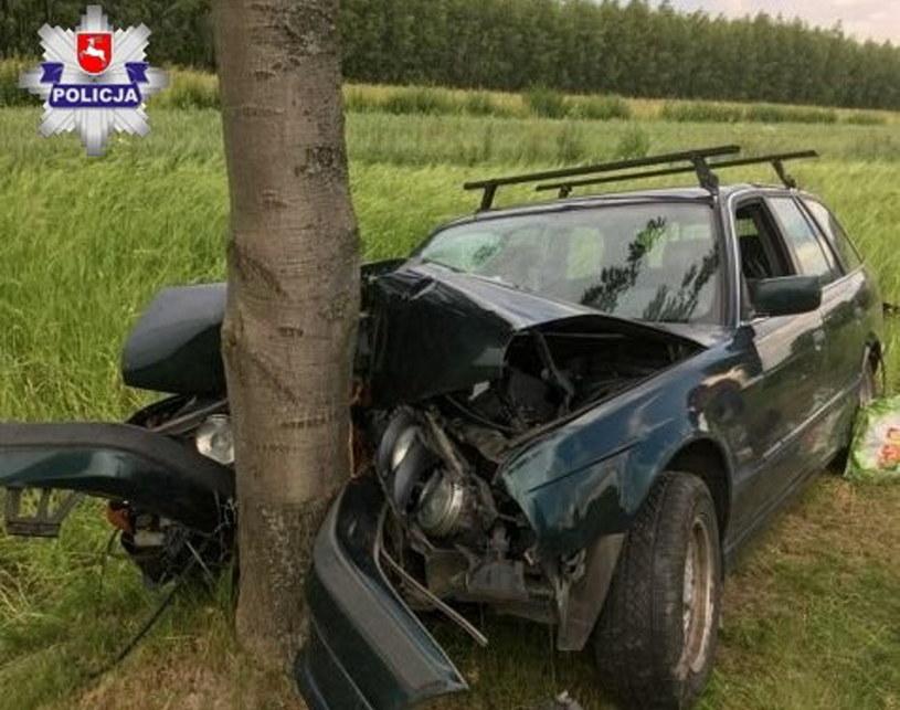 Auto nadaje się na złom, ale rannych nie było /