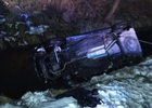 Auto wpadło do rzeki. W środku było trzech 18-latków