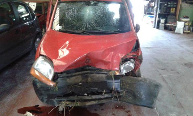 Auto zespołu Keira Is You po wypadku - fot. Facebook /