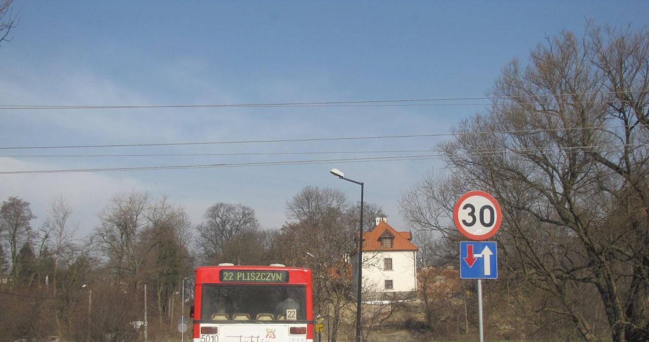 Autobus lubelskiej komunikacji miejskiej jeździ nielegalnie