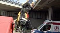 Autobus miejski spadł z mostu w Warszawie. Relacja reportera Polsat News