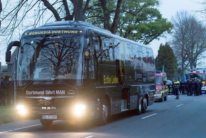 Autobus piłkarzy Borussi Dortmund /PAP/EPA