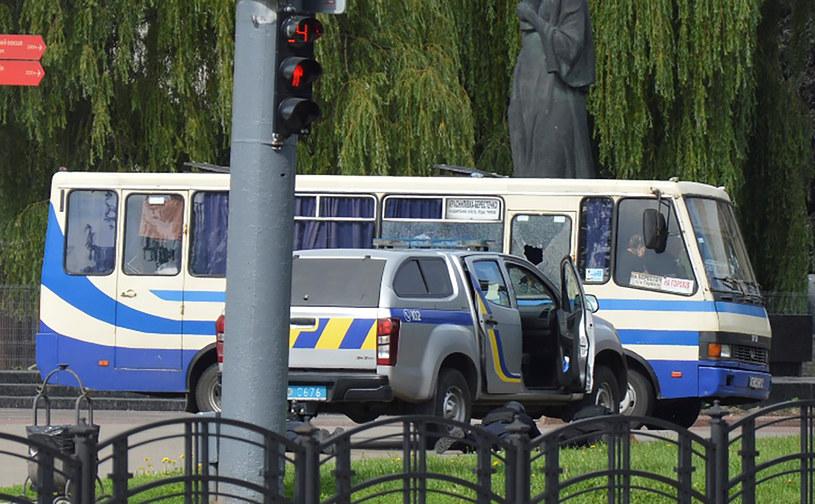 Autobus, w którym zabarykadował się napastnik /TETIANA HRISHYNA/Reuters /Agencja FORUM