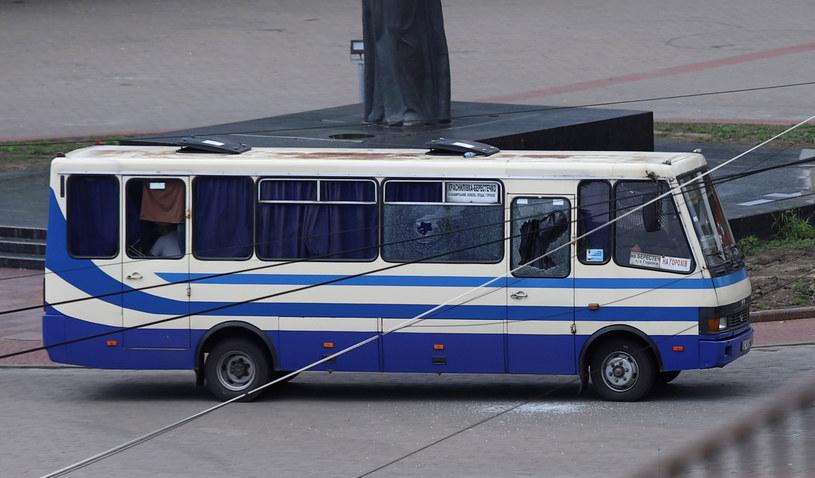 Autobus, w którym zabarykadował się napastnik /MYKOLA MARTYNIUK /Agencja FORUM
