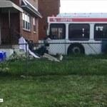 Autobus wjechał w dom. Jedna osoba zginęła