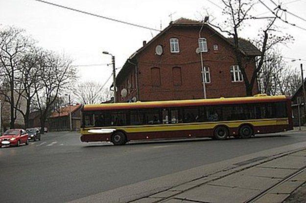 Autobusem kierował przypadkowy pijany człowiek /Policja