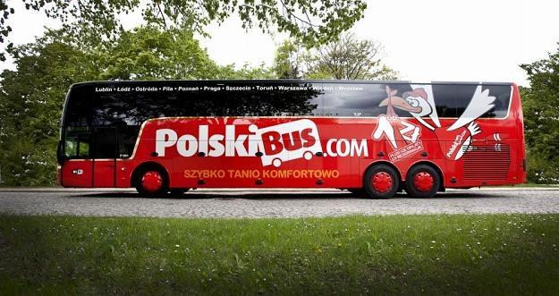Autokary PolskiBus.com będą odjeżdżać dwa razy dziennie z Warszawy na Lotnisko Berlin Schönefeld /
