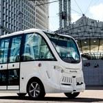 Autonomiczne pojazdy wspomagają transport próbek z testami na koronawirusa