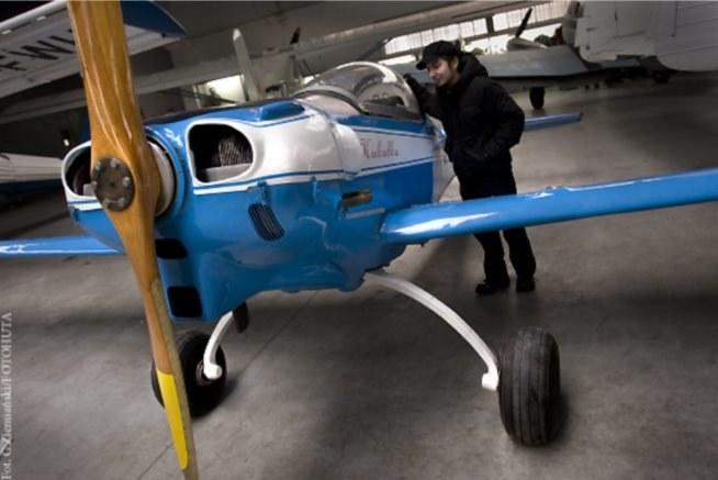 Autor przy Kukułce w Muzeum Lotnictwa Polskiego /Grzegorz Ziemiański/Fotohuta /INTERIA.PL
