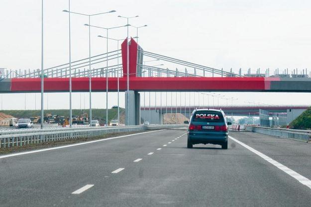 Autostrada A2 jest przejezdna, ale wcale nie skończona /PAP