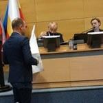 Awantura podczas obrad Sejmiku. Poseł Marek Sowa wręczył Janowi Dudzie białą flagę