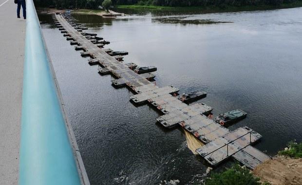 Awaria Czajki. Rozpoczęto układanie rurociągu na moście pontonowym