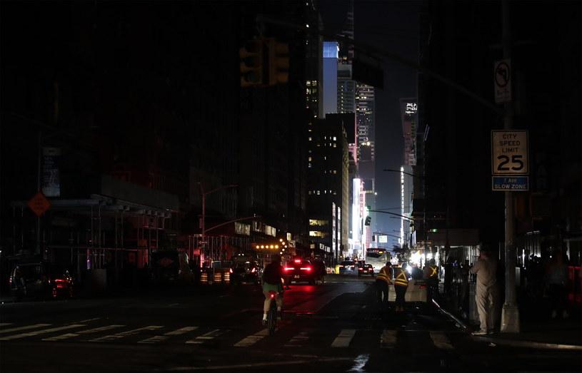 Awaria prądu w Nowym Jorku /JASON SZENES    /PAP