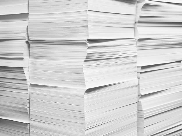 Awaria w Kwidzynie spowodowała, że na polski rynek trafiło o ok. 20-25 tys. ton papieru mniej /PAP
