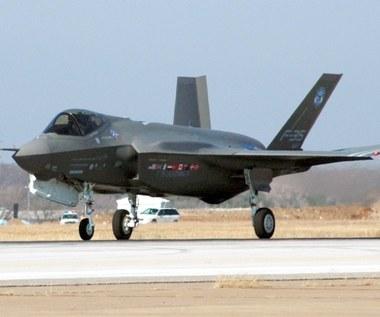 Awarie opóźnią wejście F-35 do służby