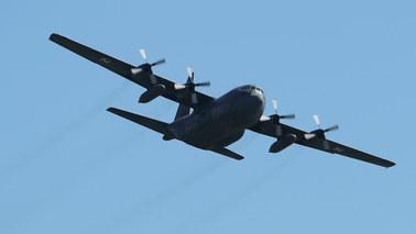 Awaryjne lądowanie samolotu hercules na wrocławskim lotnisku