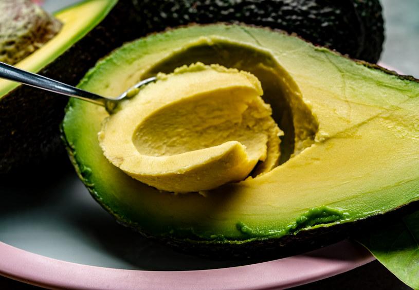 Awokado jest dobrą alternatywą dla masła /123RF/PICSEL