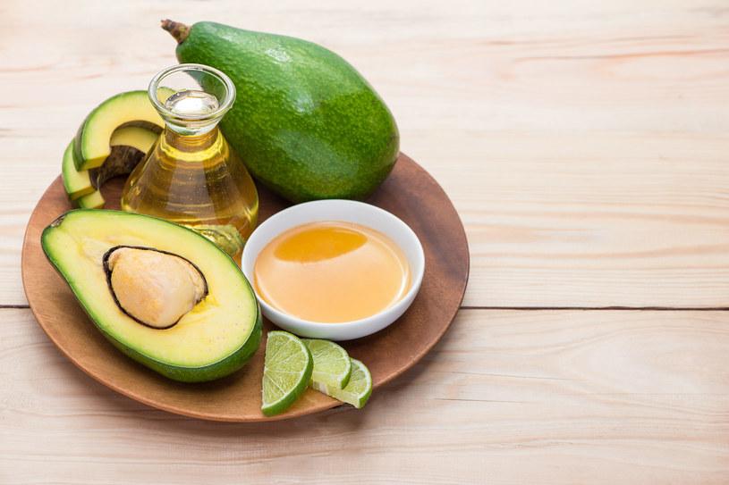 Awokado, miód i oliwa - z tych składników zrobisz naturalną maseczkę regenerującą /123RF/PICSEL